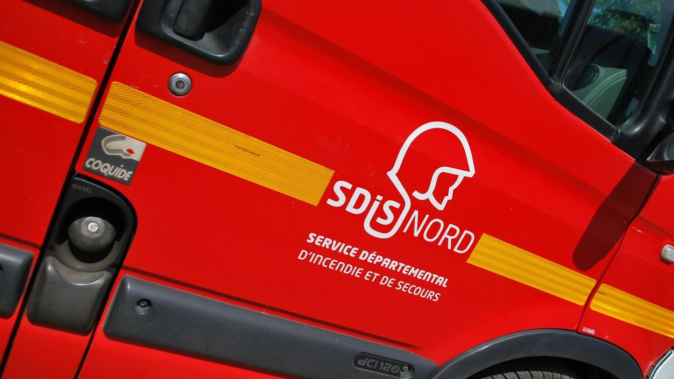 Les pompiers de Steenvoorde et d'Hazebrouck sont intervenus lors de l'accident.