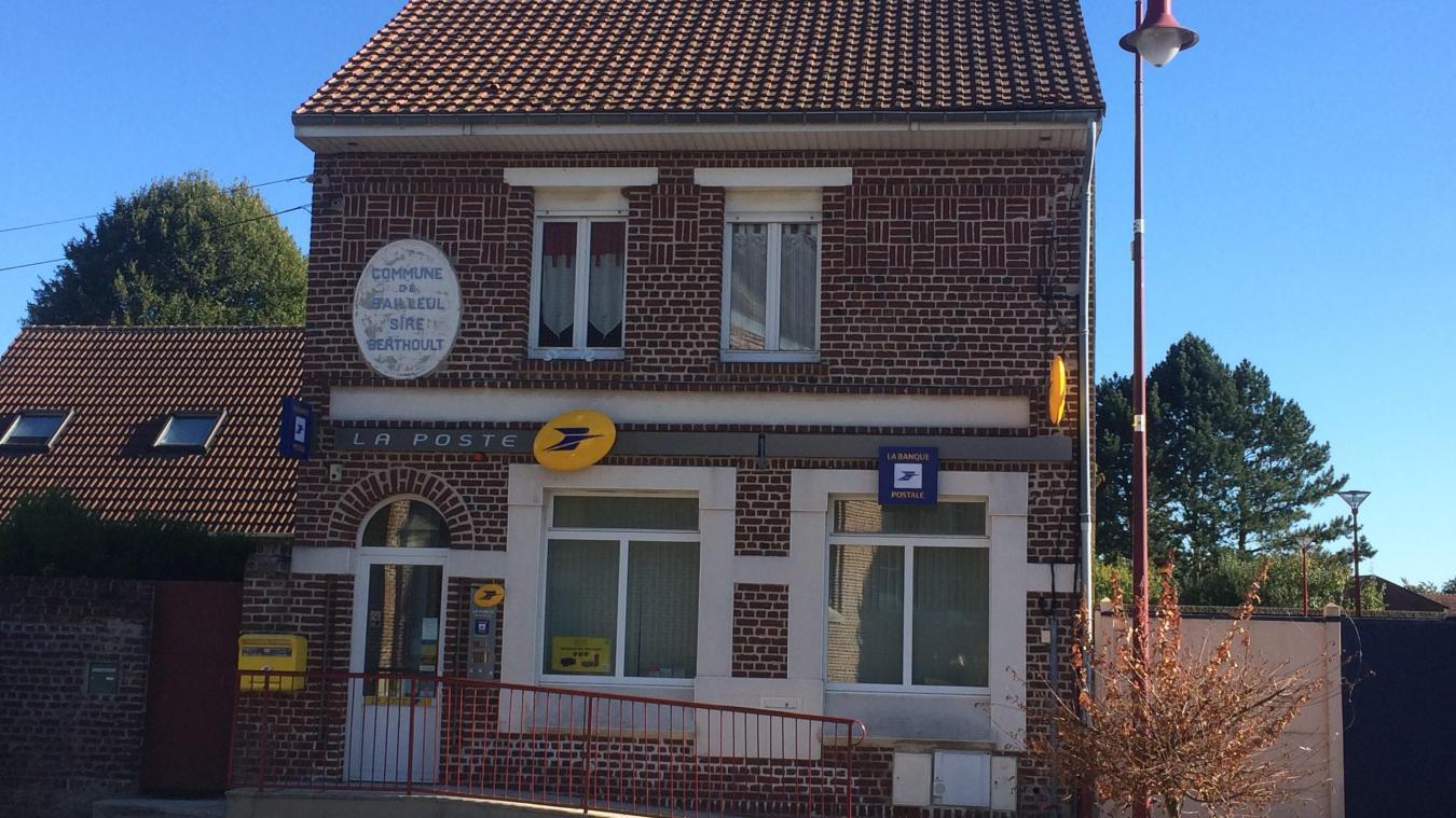 Service bailleul sire berthoult : la poste ferme la mairie prend