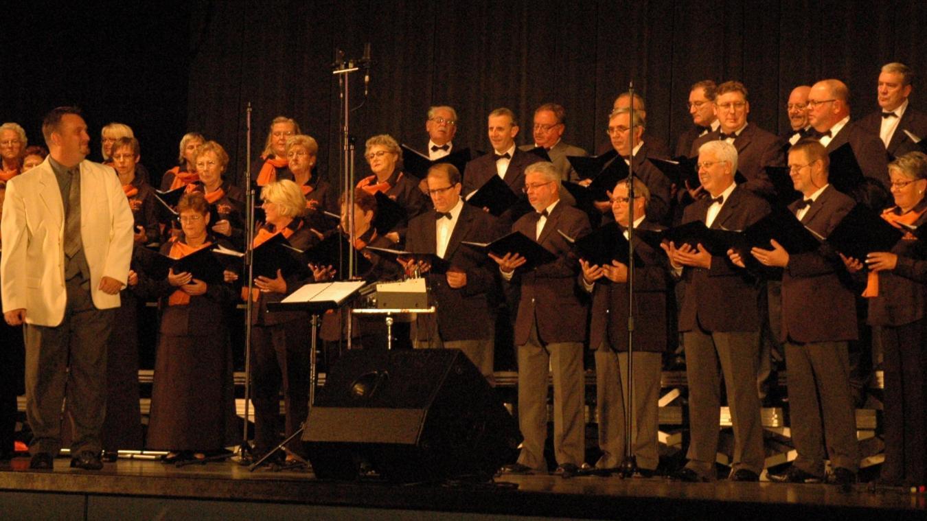 Cette chorale composée de plus de  60 personnes propose un programme basé sur les plus belles chansons de la variété française.