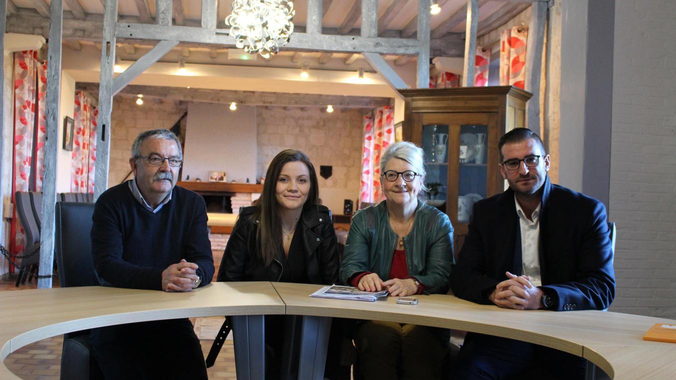 Julie est venue remercier Jean-Pierre Sansen, le maire. Mais aussi Annie Adancourt, vice-présidente du CCAS et Arnaud Montewis, adjoint à la jeunesse.