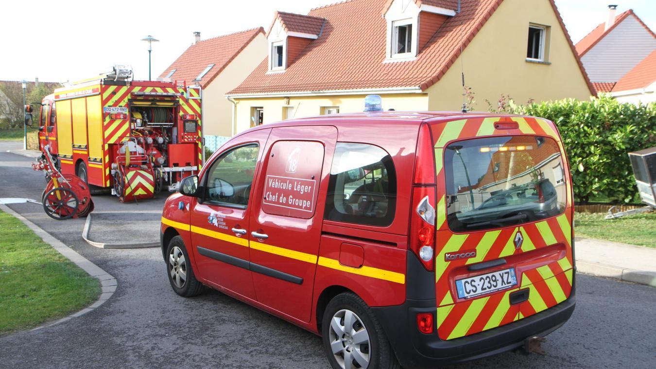 Le feu s'est déclaré dans le salon de l'habitation.