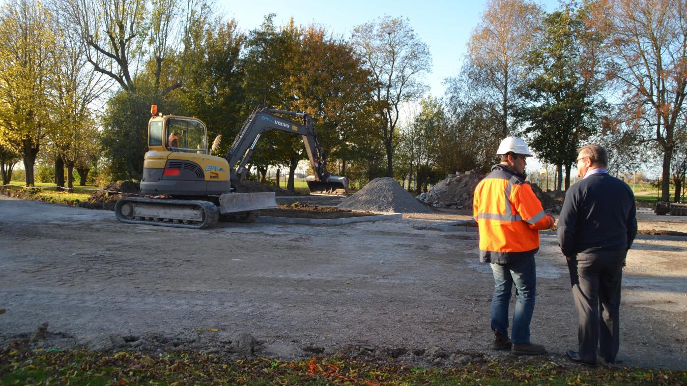 Coût du nouveau parking de la salle polyvalente : 38 000 euros, financés grâce à l'enveloppe de la Communauté de communes des Hauts de Flandre.