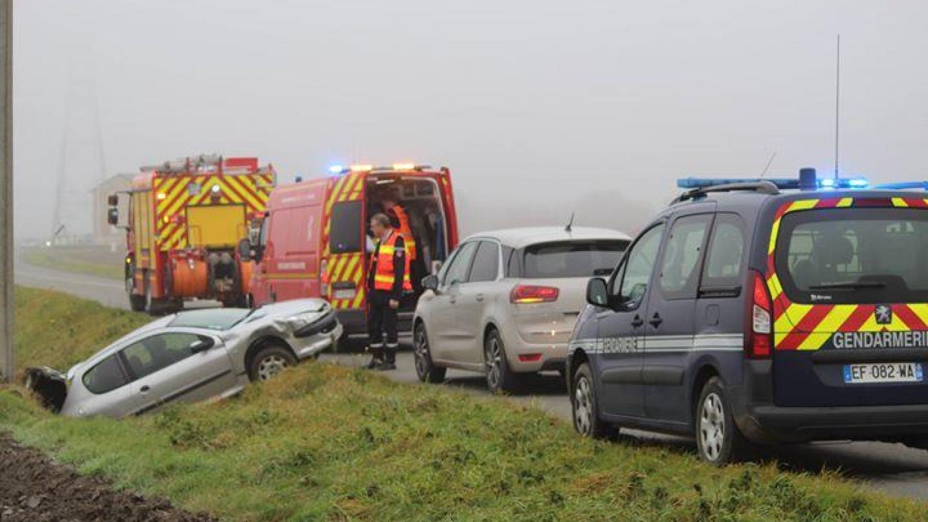 Accident : impressionnante sortie de route pour un automobiliste