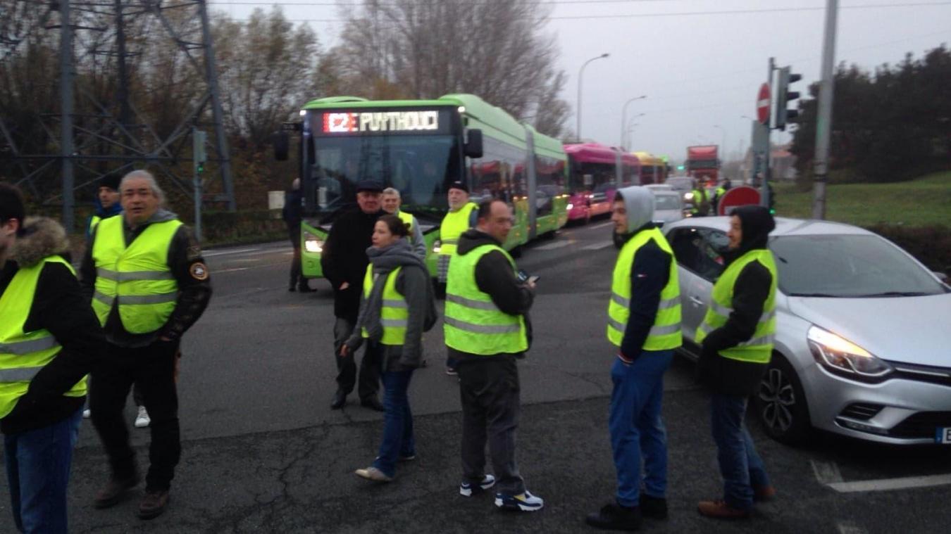 Gilets jaunes : les bus sont bloqués par les manifestants
