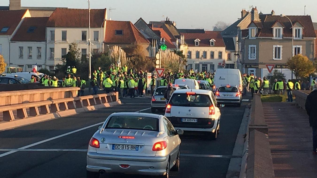Montreuillois : la mobilisation des gilets jaunes s'est concentrée au pont rose d'Etaples