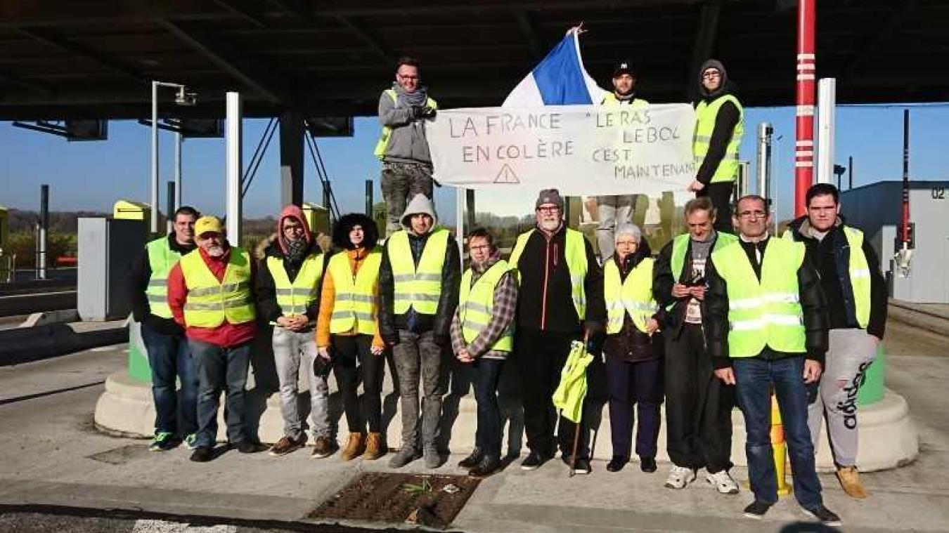 Wailly-Beaucamp : les gilets jaunes ouvrent les barrières de l'échangeur de l'A16
