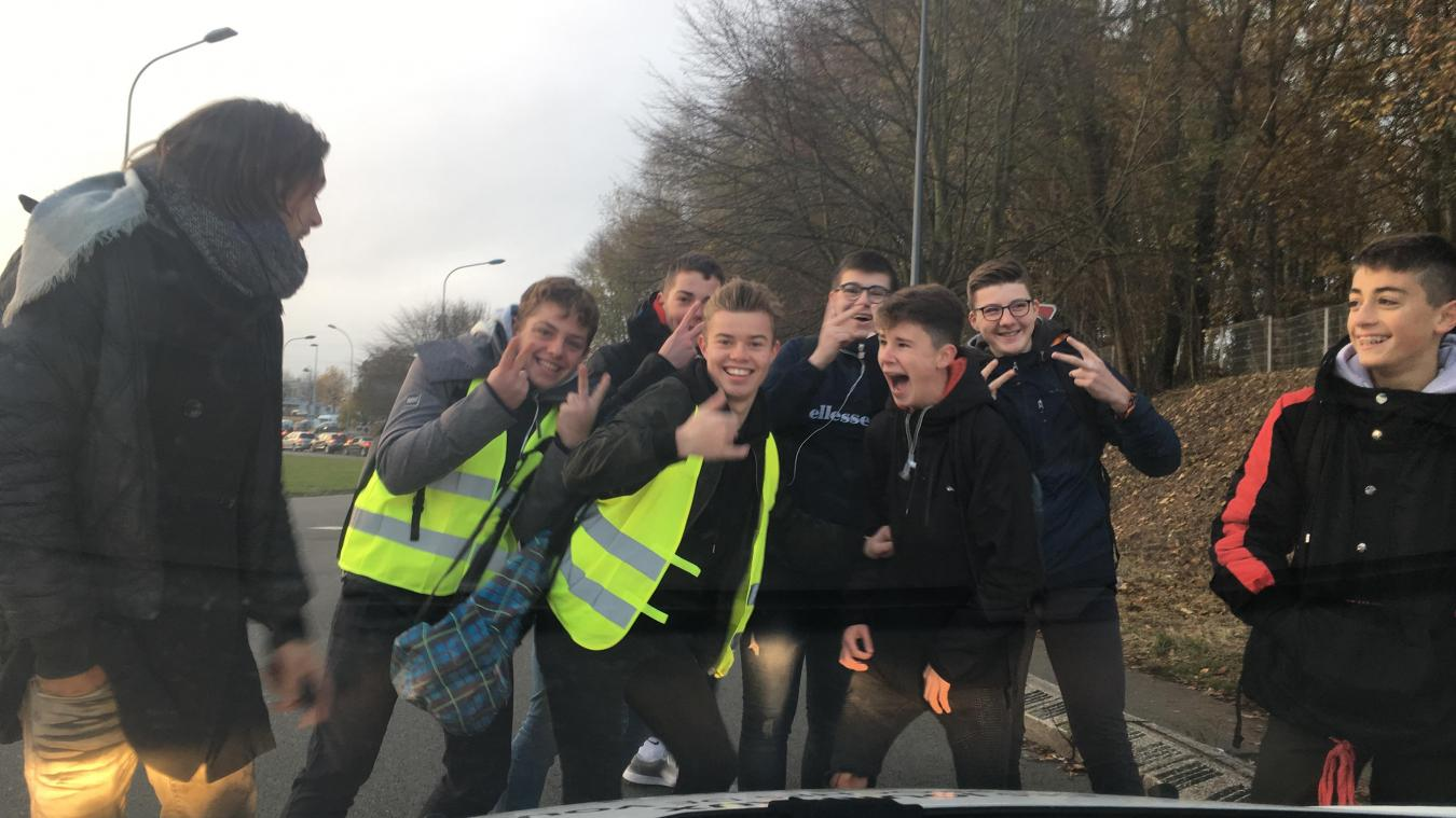 Les lycéens se joignent aux Gilets jaunes à Saint-Omer