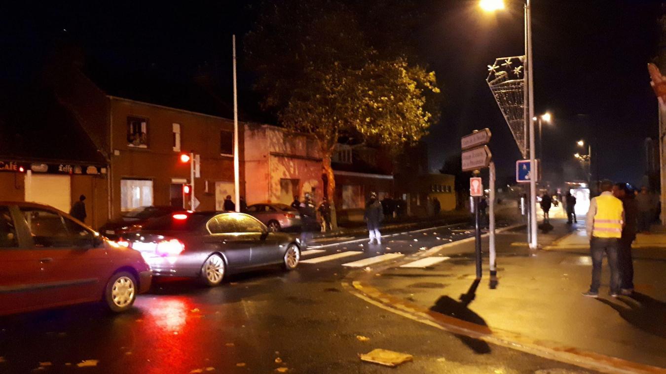 Gilets jaunes : le rond-point des parapluies évacué par la police