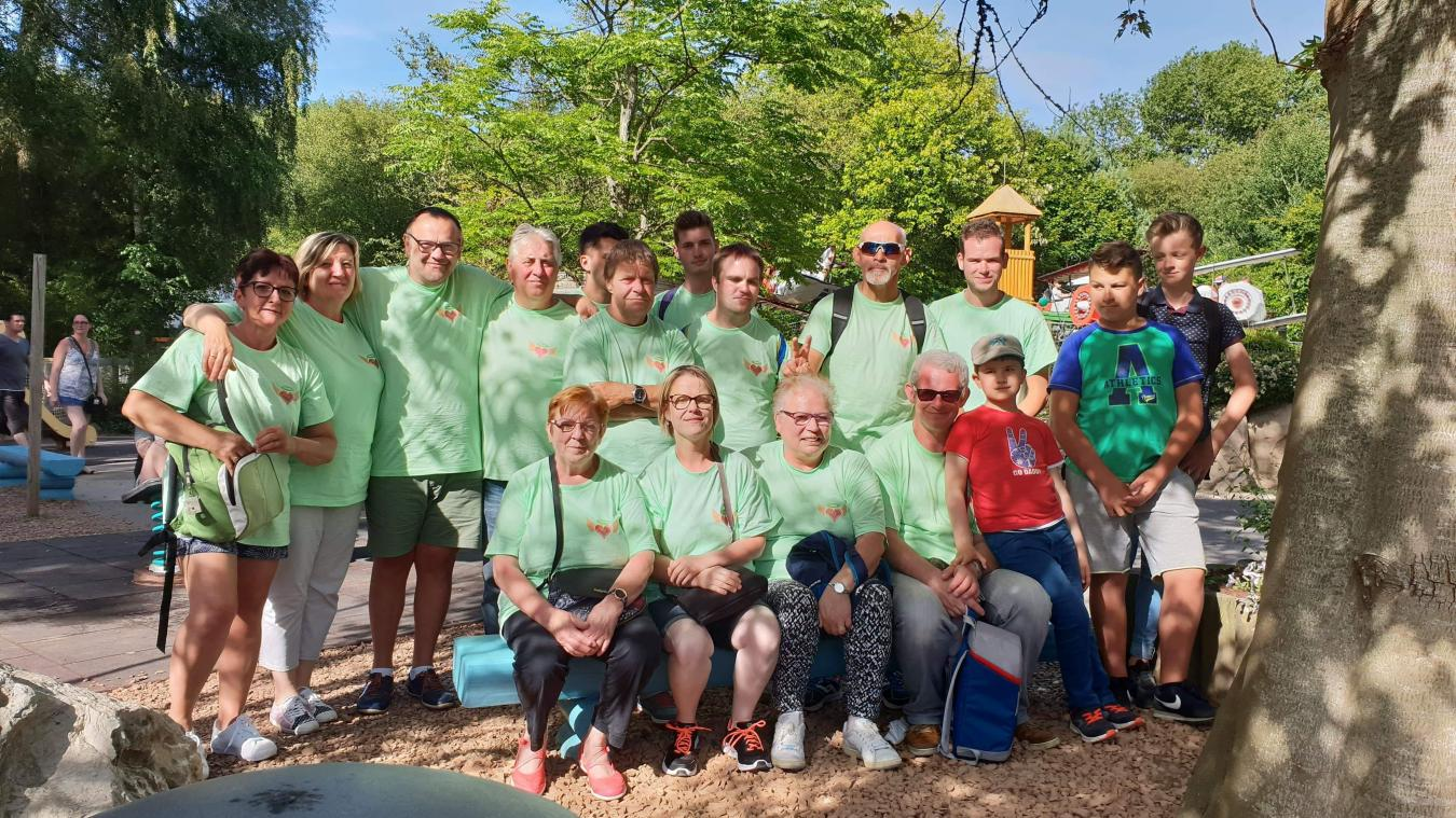 Les bénévoles allient bonnes actions et plaisir de se retrouver.