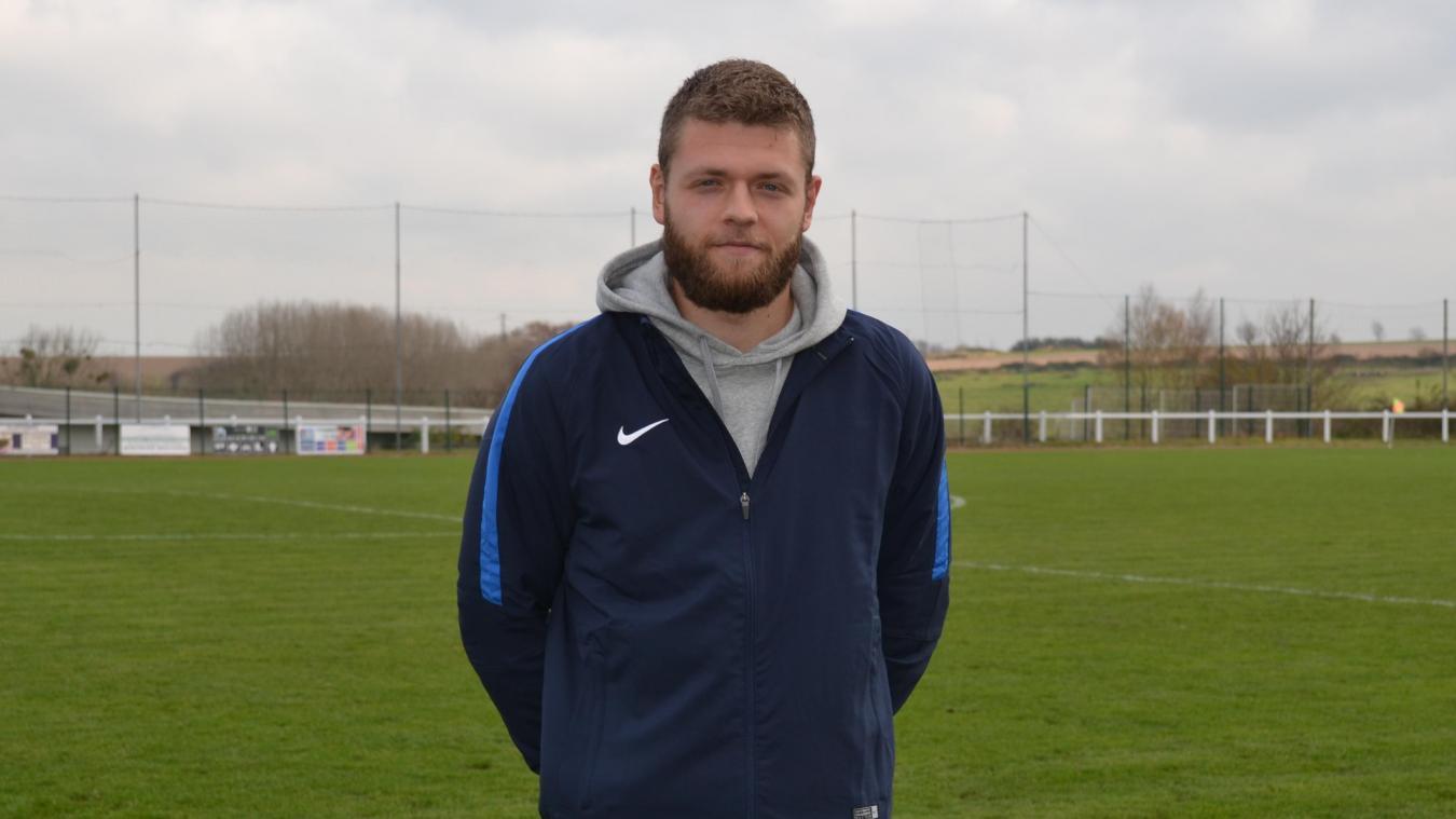 Originaire d'Attin, Willy Sentune a été élève au sein de la section sport études football. Il en est aujourd'hui à la tête et dirige tous les entraînements.