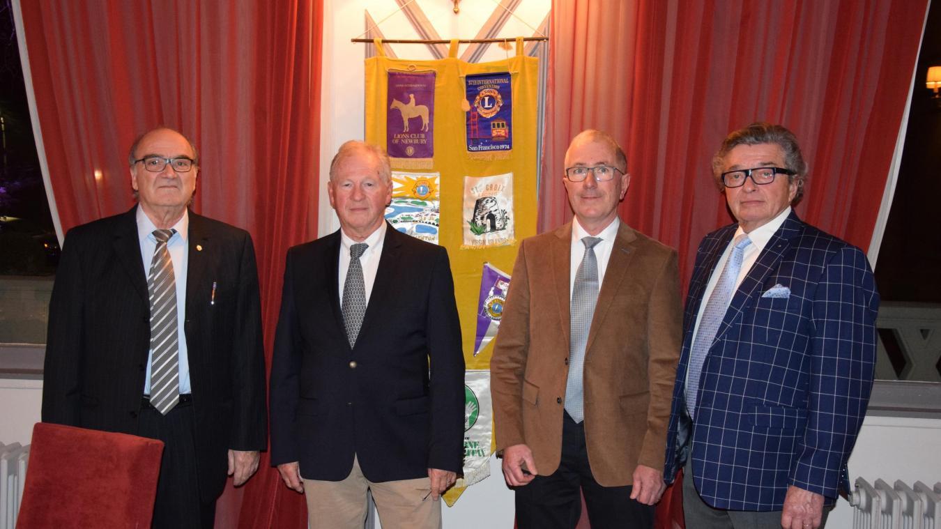 Les deux impétrants Francis Decaux et Jacques Vertray, accueillis par les instances dirigeantes du Lions Club local.