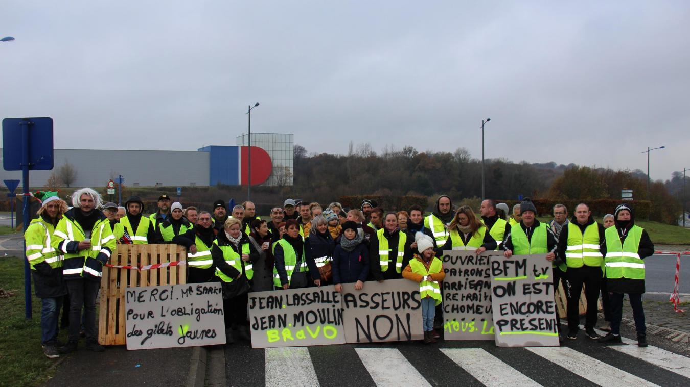 Gilets Jaunes : barrages filtrants à Desvres (photos)