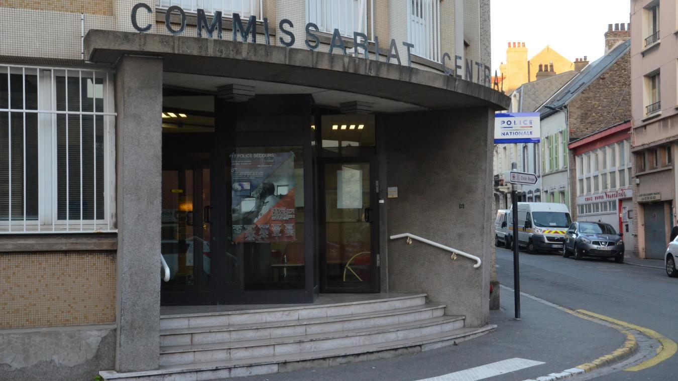 Les parents ont été placés en garde à vue au commissariat de Boulogne-sur-Mer.