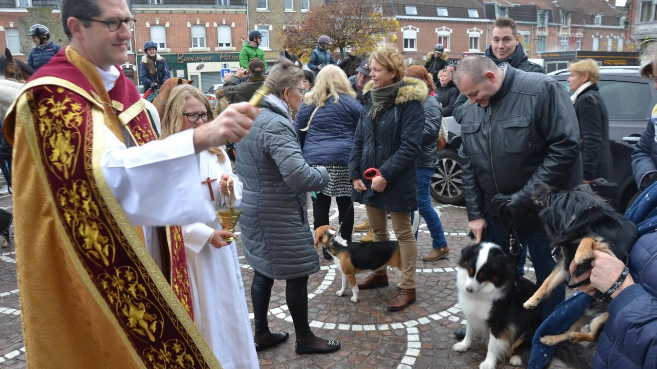 Les maîtres sont venus pour faire bénir chiens et chevaux.
