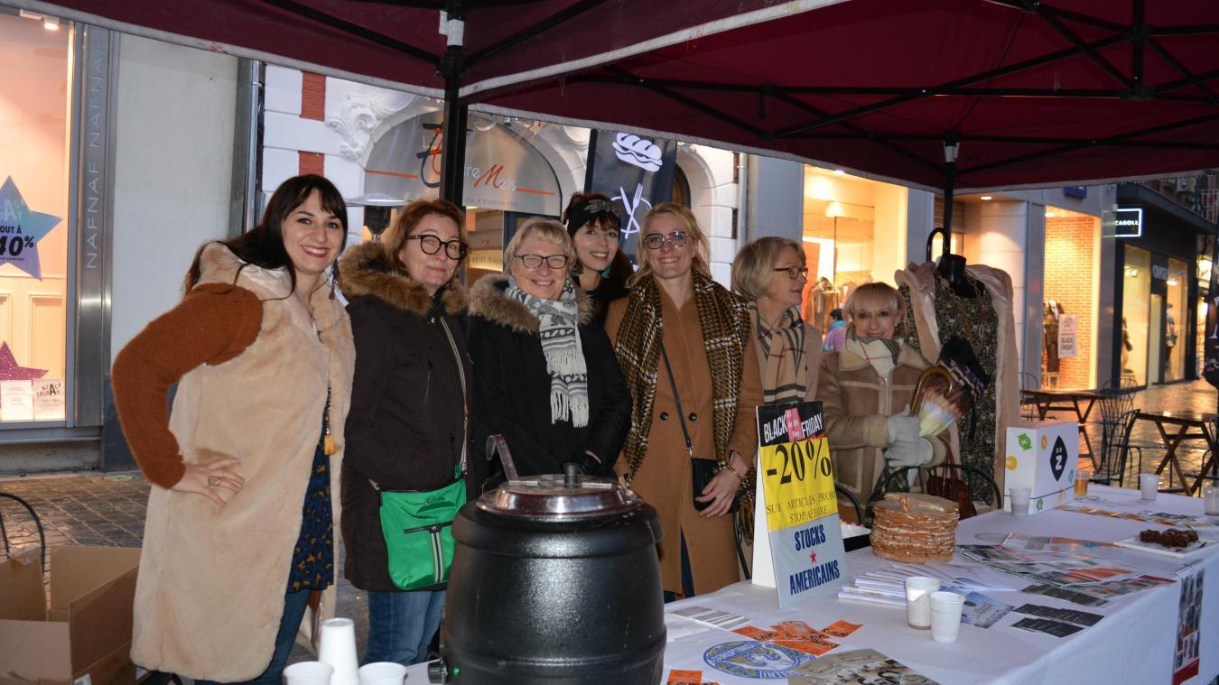 Les commerçants distribuaient leur calendrier samedi 24 novembre, sur la Grand'Place.