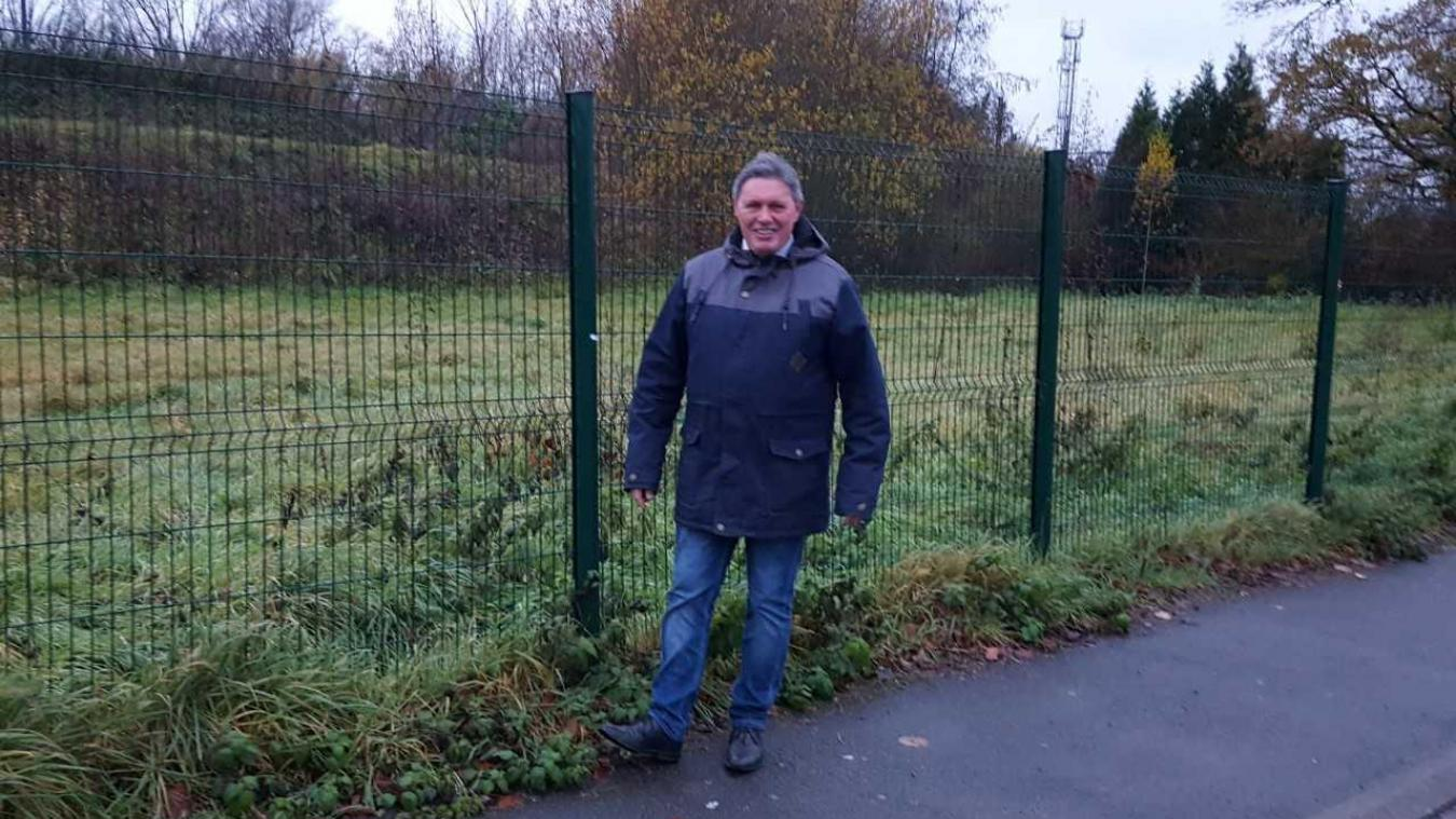 Le maire Pascal Barois annonce la construction de logements sur la friche Mécatel.