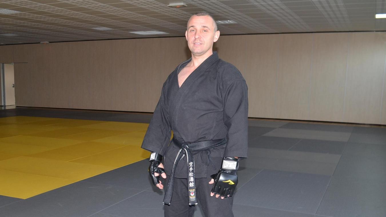 Rodrigue Ringard pratique le karaté depuis plus de 20 ans. Pour répondre à une forte demande, il organise des cours de self-défense chaque dimanche matin.