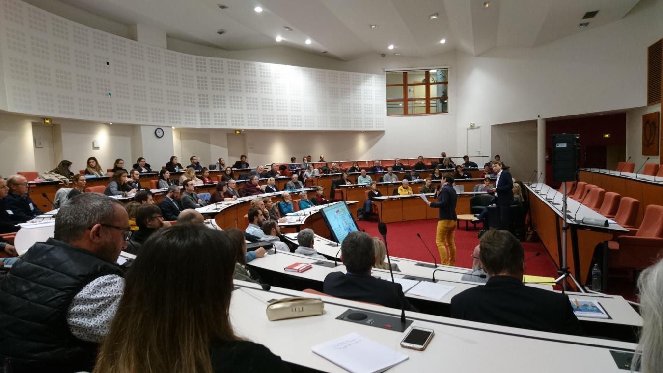 L'hémicycle de la CAB a accueilli la semaine dernières de nombreux représentants des différentes structures du Boulonnais pour une journée d'échanges.