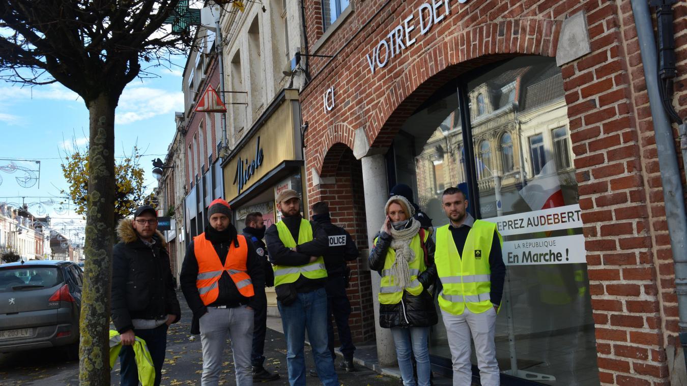 Une délégation de trois Gilets jaunes a rencontré la députée Marguerite Deprez-Audebert  à son local de permanence.