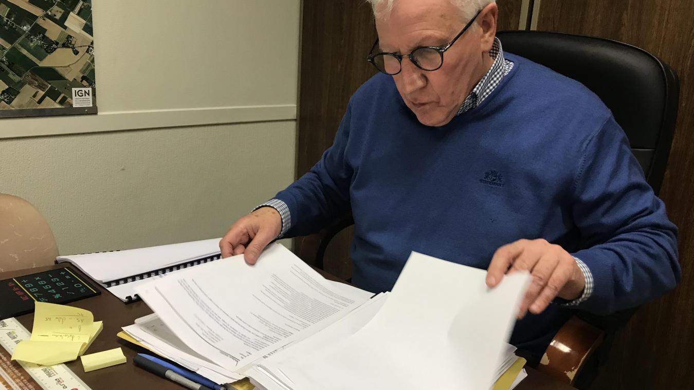 Philippe Mahieu, maire de La Gorgue, a mis en demeure à de multiples reprises Jean-Yves Debray pour obtenir les analyses de sol. L'agriculteur lui faisait la même chose avec l'entreprise RTS qui l'avait démarché pour remblayer son champ.