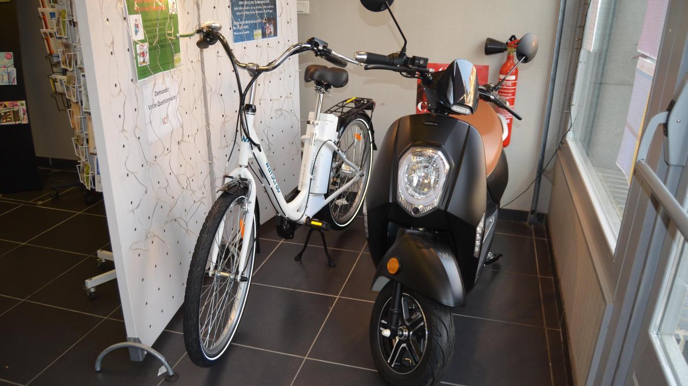Un scooter, deux vélos à assistance électrique et deux trottinettes électriques sont à gagner.