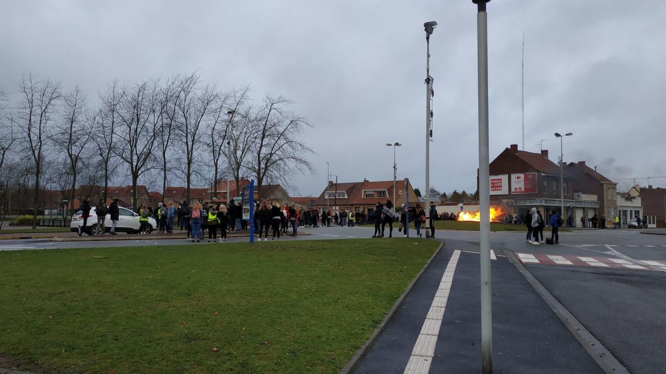 Wingles: deuxième jour de manifestation au lycée Voltaire (photos)