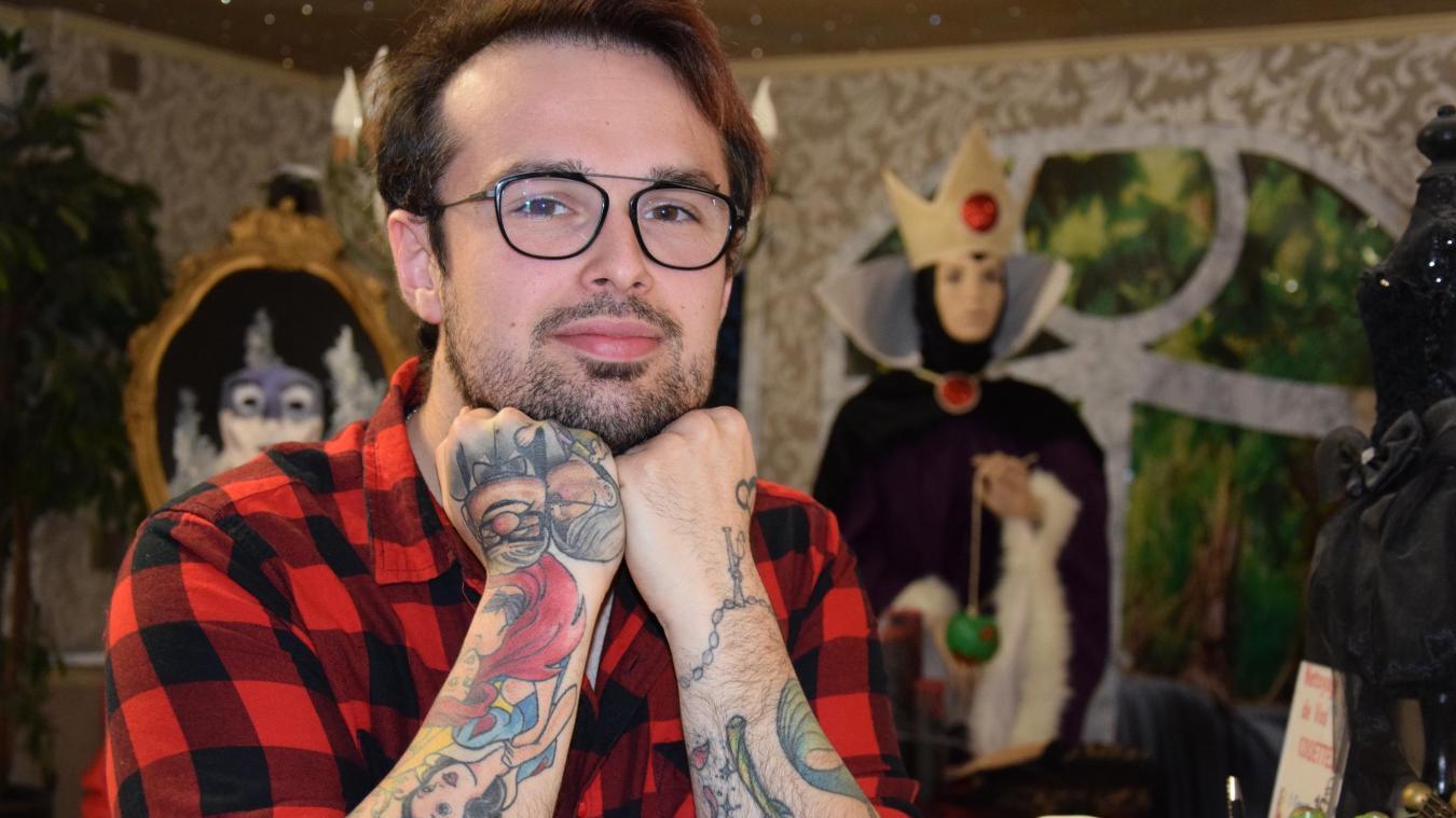Geofrey est fan de Disney depuis sa plus tendre enfance. Il compte aujourd'hui pas moins de 15 tatouages sur le corps rappelant les classiques de Walt Disney.