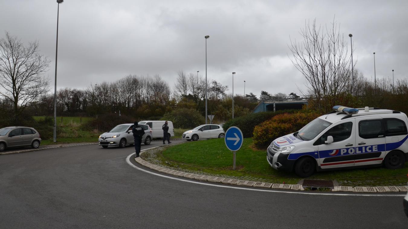 Les Forces De Lordre Débloquent Les Accès à Auchan Actualisé