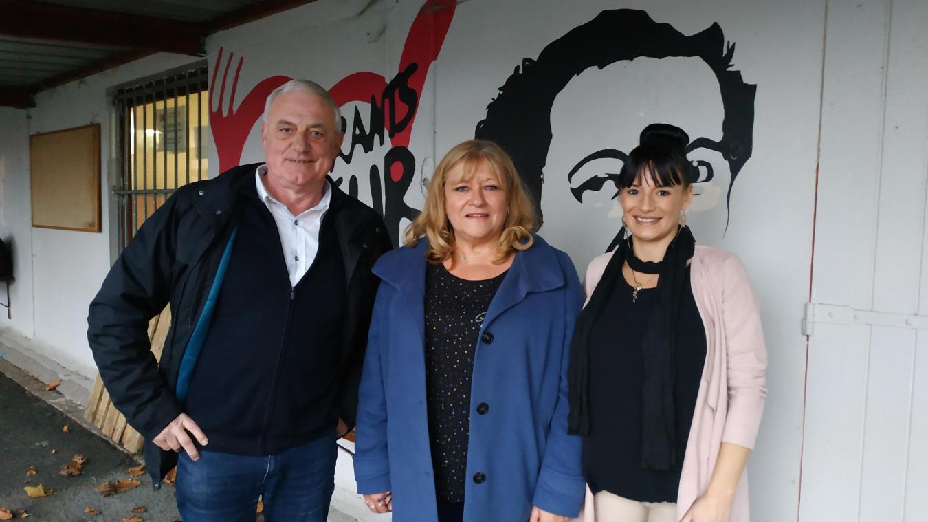 Francis Bracq et Nicole Liers sont fiers de former Alexandra Trousson au rôle d'animatrice de centre.
