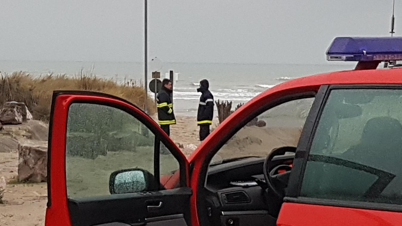 Le kitesurfeur en difficulté avait déjà pu rejoindre la plage lors de l'arrivée de secours.