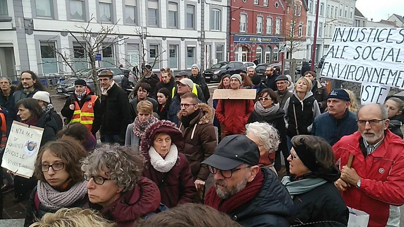 Les citoyens ont marché pour le climat et sont allés à la rencontre des élus.