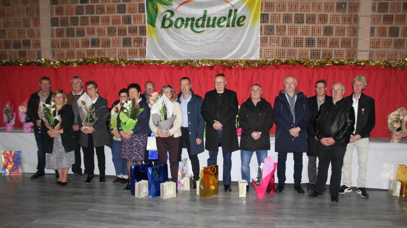 Retraités et médaillés du travail de l'entreprise Bonduelle de Renescure ont été mis à l'honneur vendredi 7 décembre à Racquinghem.