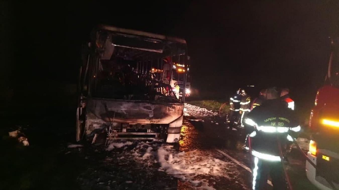 Un incendie détruit un bus scolaire
