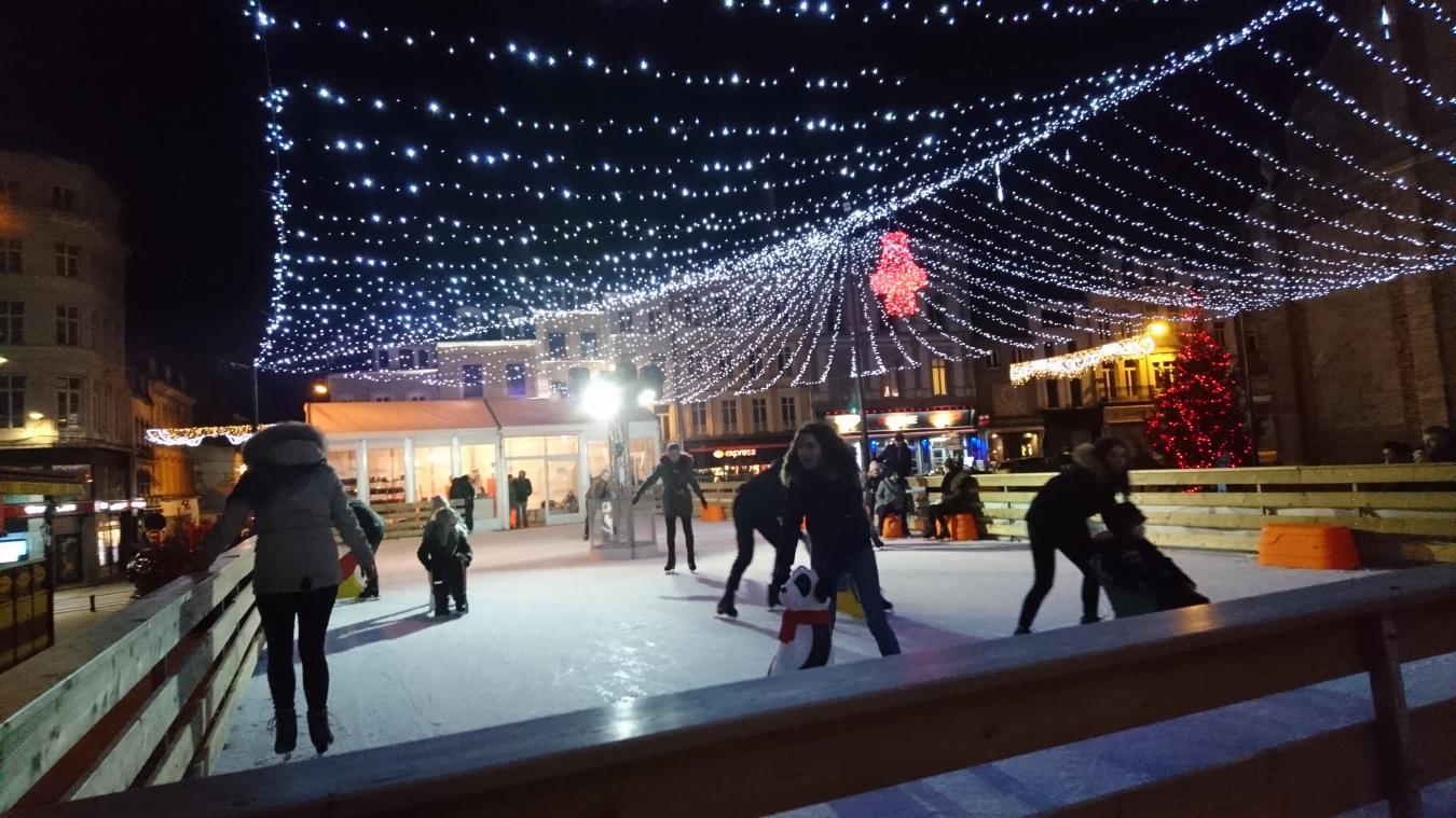 Petits et grands peuvent à nouveau profiter des plaisirs de la glace en centre-ville.