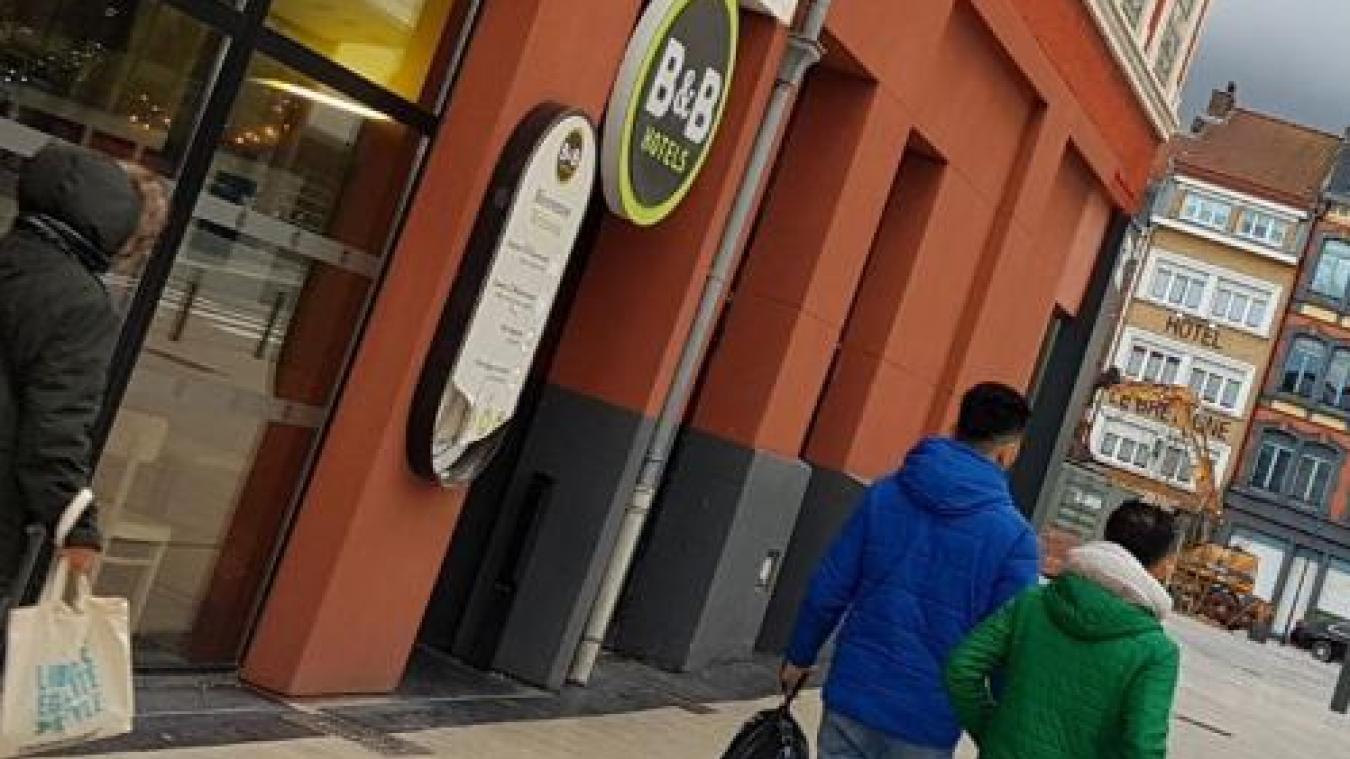 Armé d'un cran d'arrêt, un SDF agresse le gérant de l'hôtel B&B