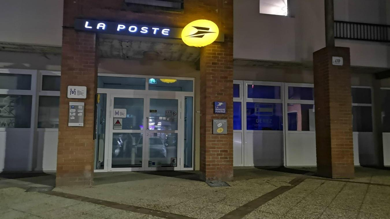 Les clients retrouvent les services de la Poste bancaire et postal, ainsi que l'accès à d'autres services publics comme Pôle Emploi.