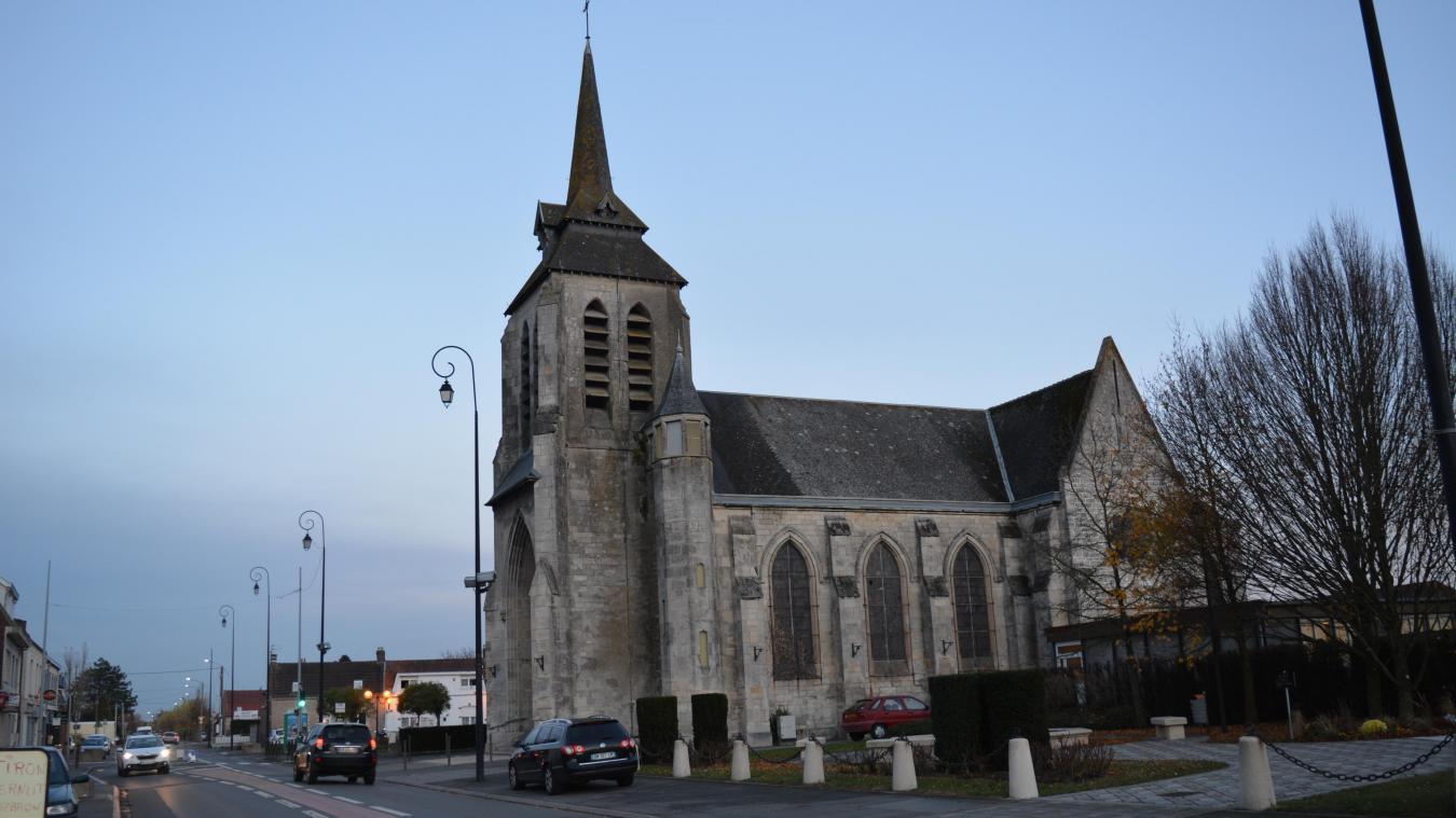 Un accès adapté aux personnes à mobilité réduite a été créé sur le côté de l'église.
