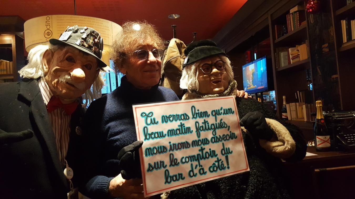 Alain Souhon a pris le temps pour des séances photos avec les masquelours.