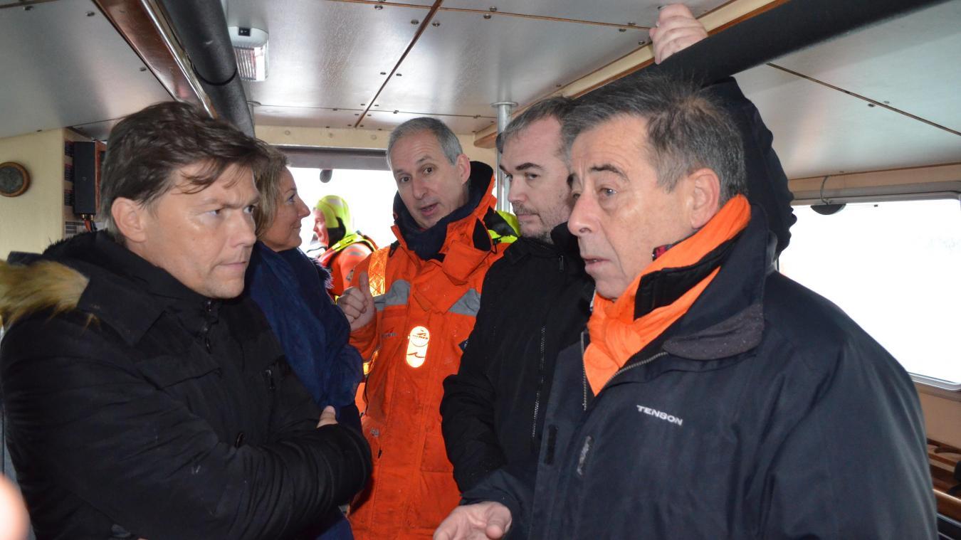 Le vice-président à la Communauté urbaine de Dunkerque s'engage, déjà, à payer les frais de gestion du local des sauveteurs en mer de Dunkerque.