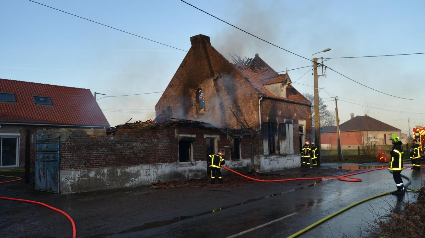 Un incendie dans une dépendance à Busnes