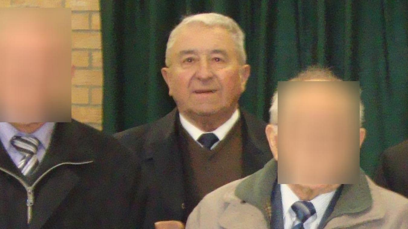 Christian Deblock (second plan) était le maire honoraire de Ledringhem, ici aux côtés de Christian Delassus, l'actuel édile.