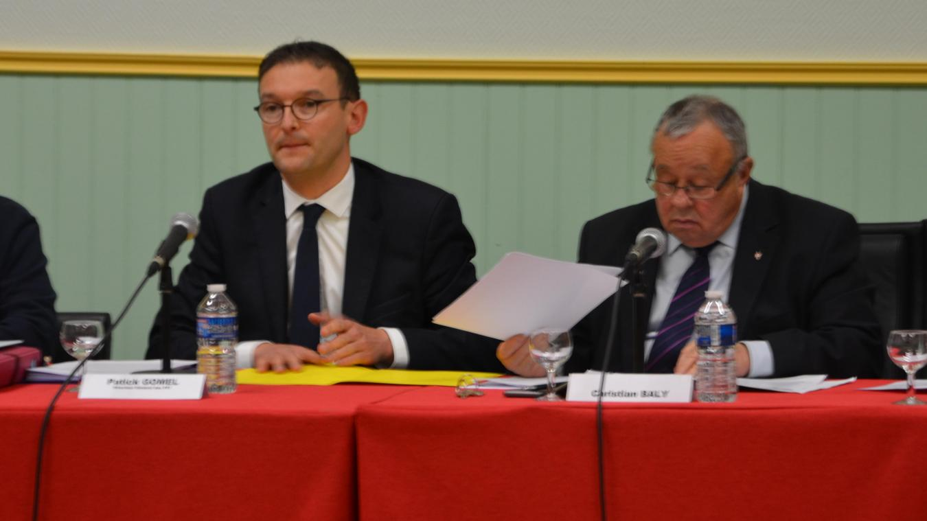 Patrick Gomel, directeur du crématorium, a été invité par le maire de Saint-Martin, Christian Baly, pour une explication publique.