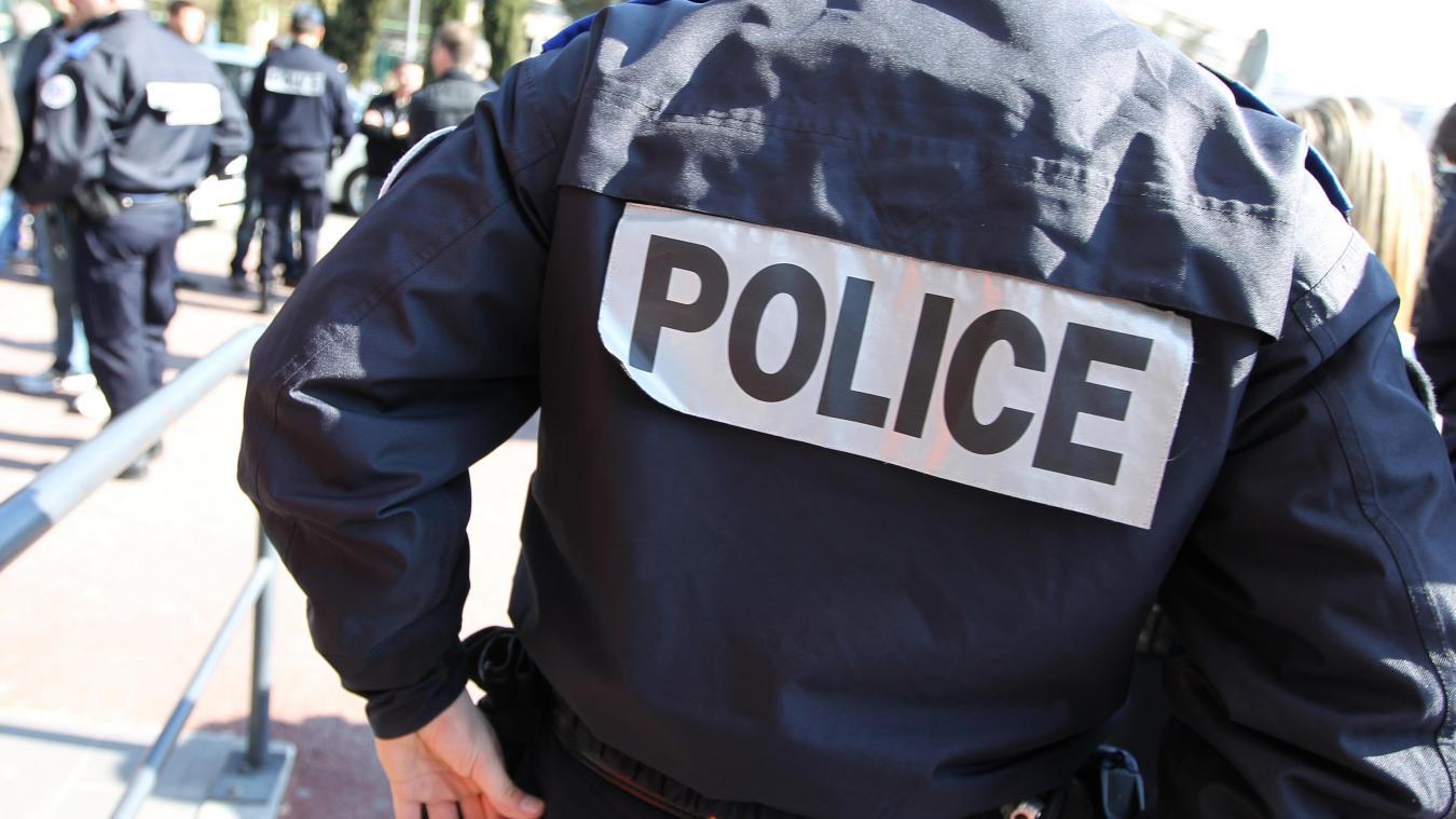 L'interpellé a également insulté les policiers qui l'ont pris en charge.
