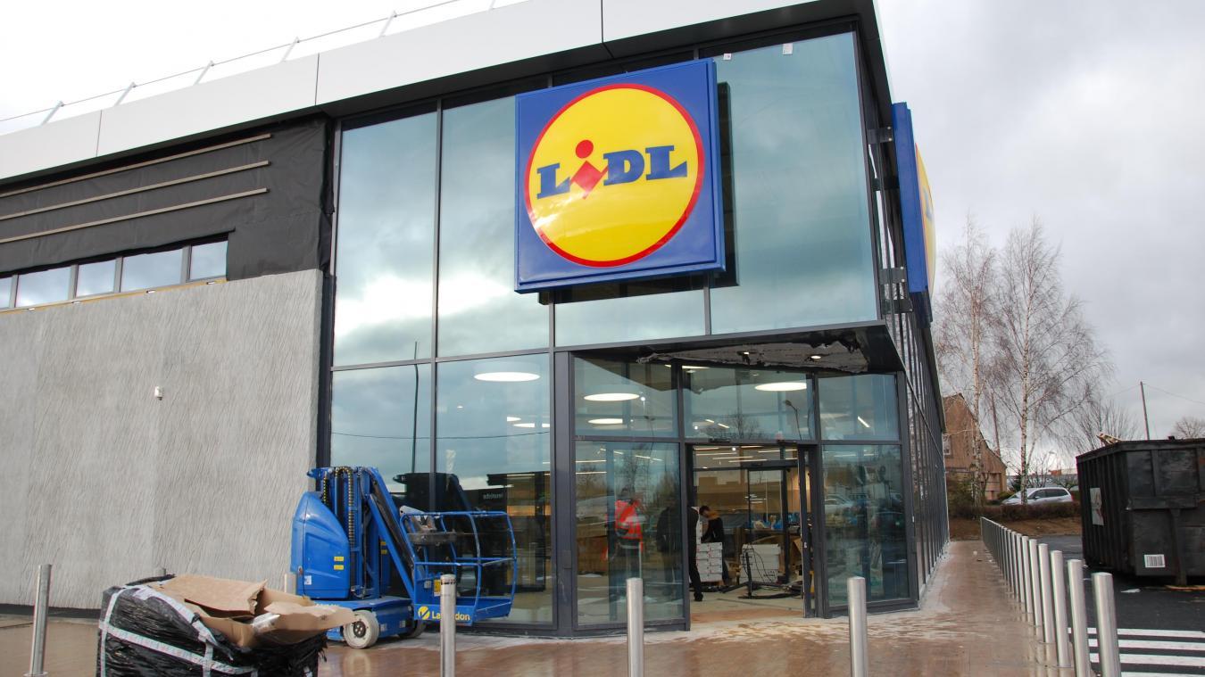 500 m² de panneaux solaires sont installés à l'extérieur du bâtiment. Ils produisent 20 % de la consommation d'énergie du magasin.
