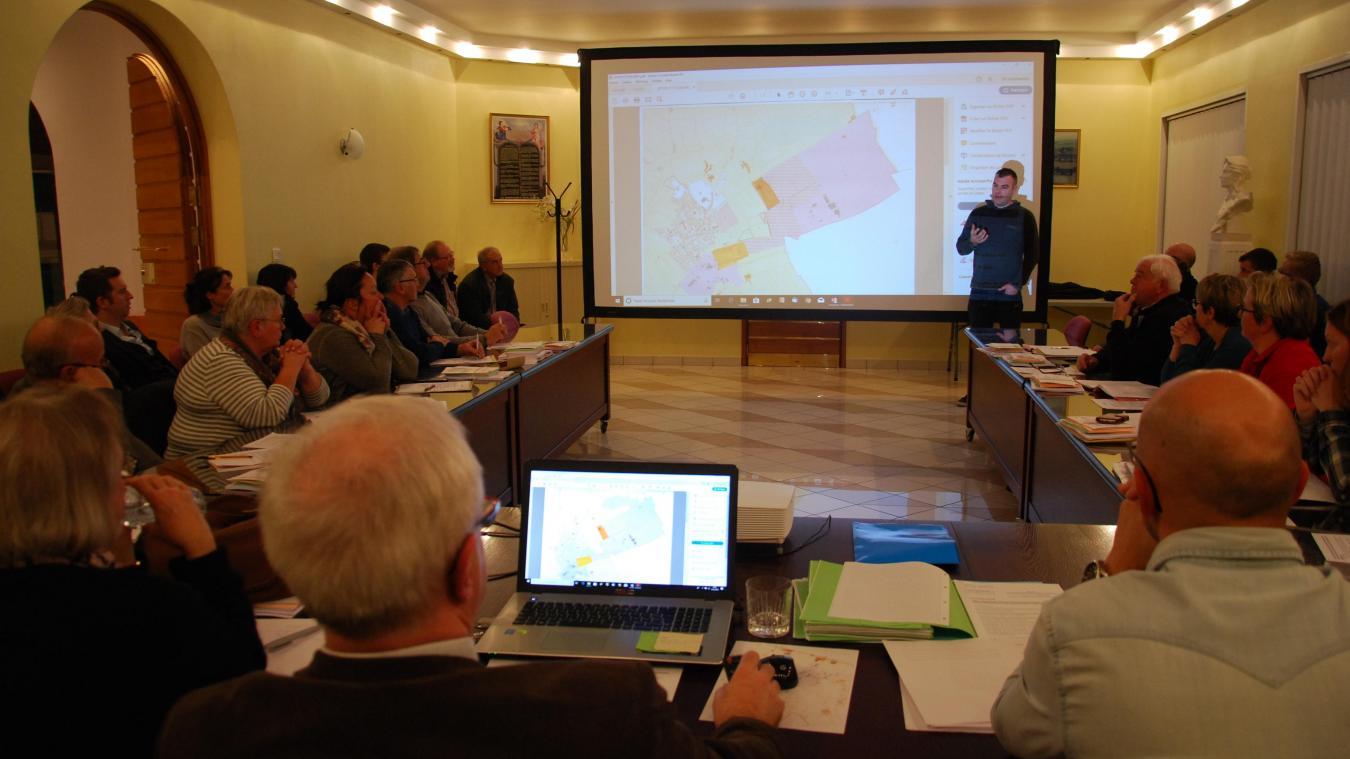 Bruno Louvet, conseiller municipal délégué, a pris la parole lors du conseil municipal pour tenter de rassurer les habitants présents au sujet du projet de Baudelet.