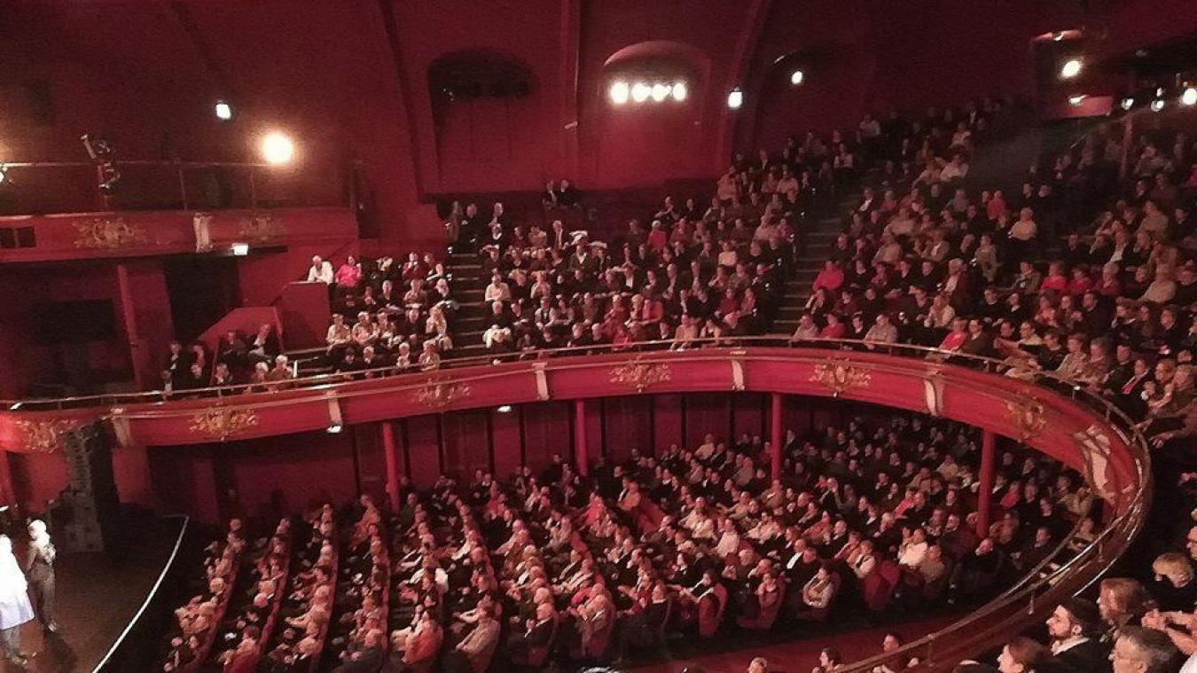 Le théâtre Sébastopol noir de monde, et une ovation qui restera gravée dans la mémoire de la troupe boulonnaise.