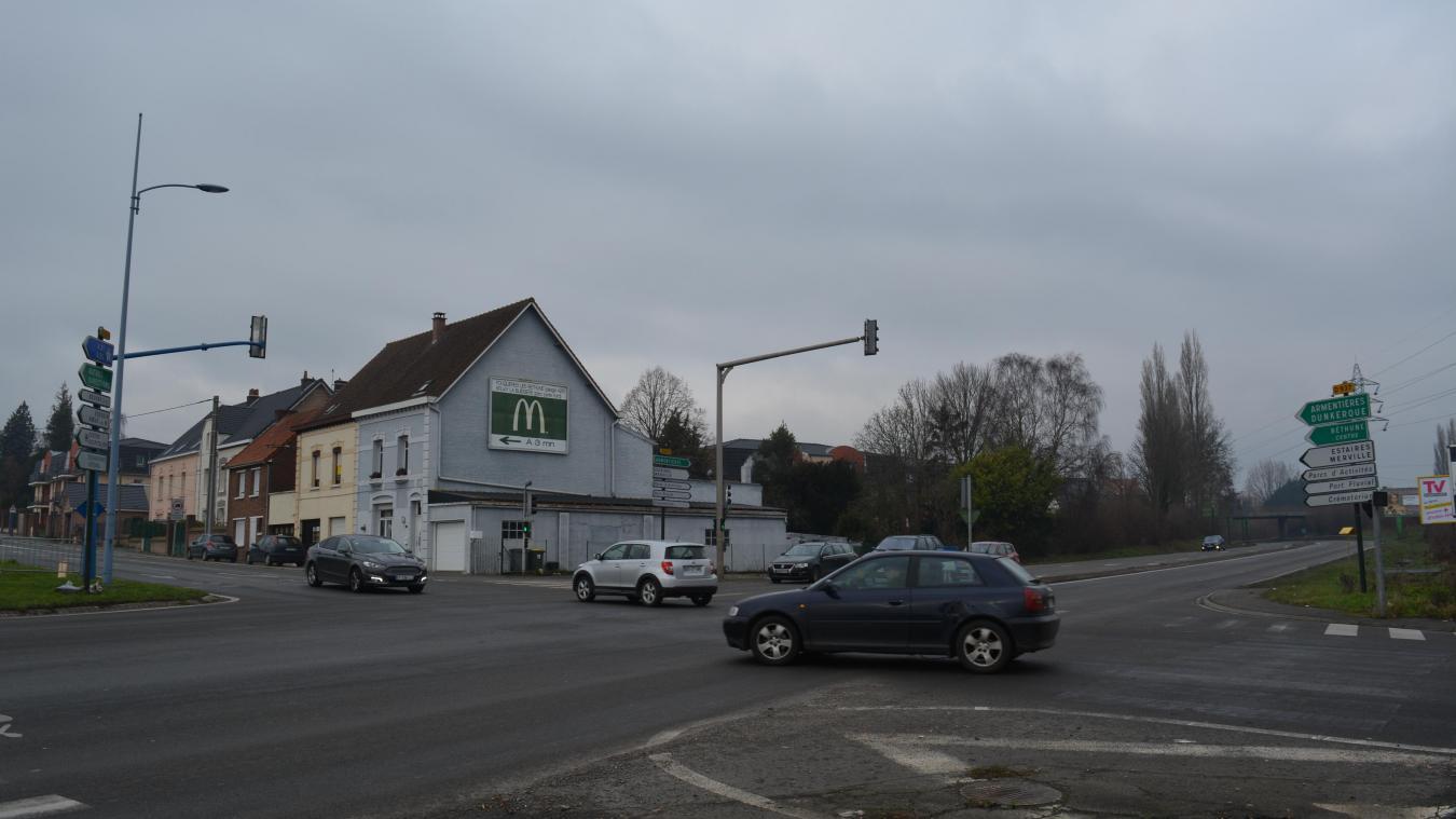 Le rond-point prendra place sur la route reliant Béthune à La Bassée.
