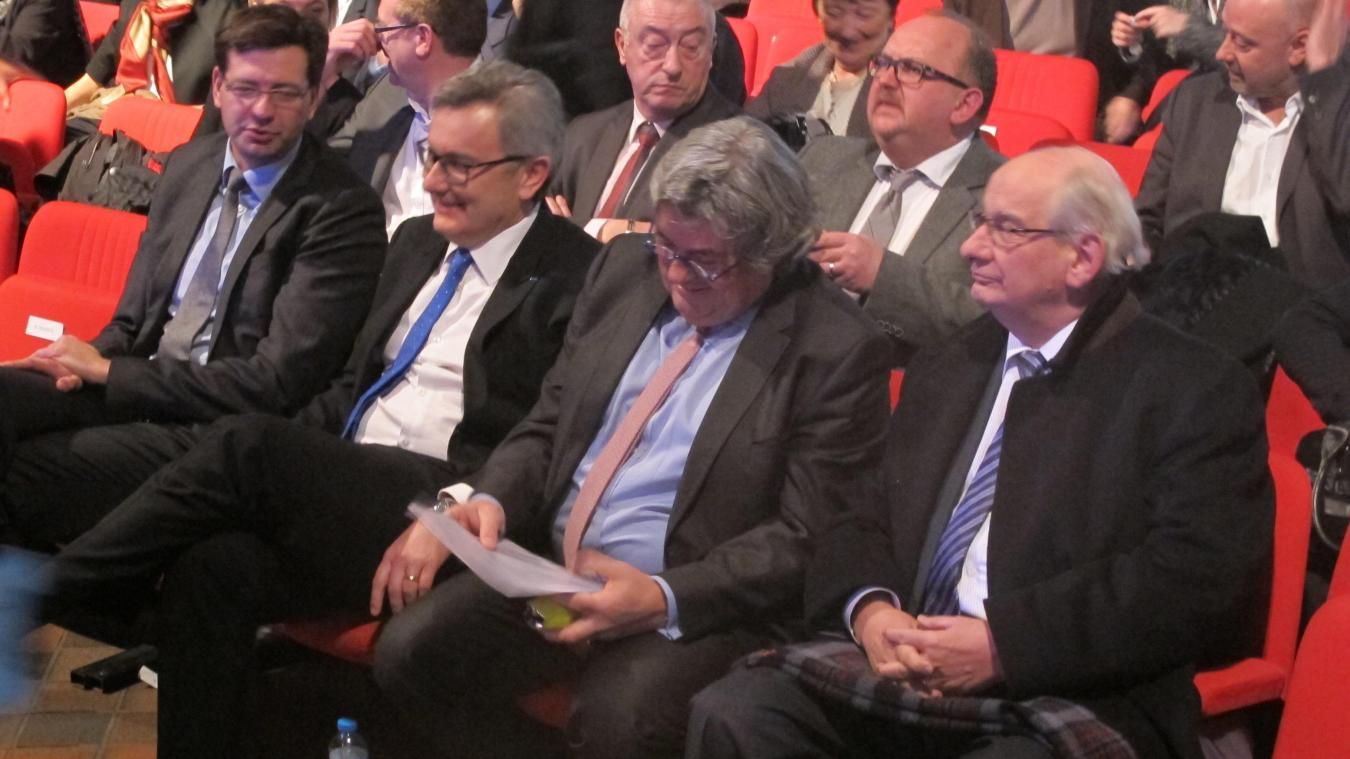 Patrice Vergriete (à gauche) a succédé à Michel Delebarre (à droite) en 2014, après neuf ans passés à la tête de la communauté urbaine.