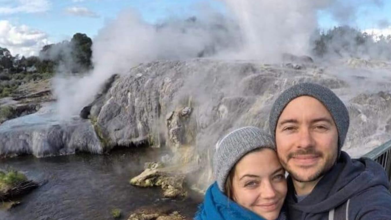 Barbara et Julien sur une terre sacrée des Maoris. Rotorua est située en plein milieu d'une zone géothermique très active.
