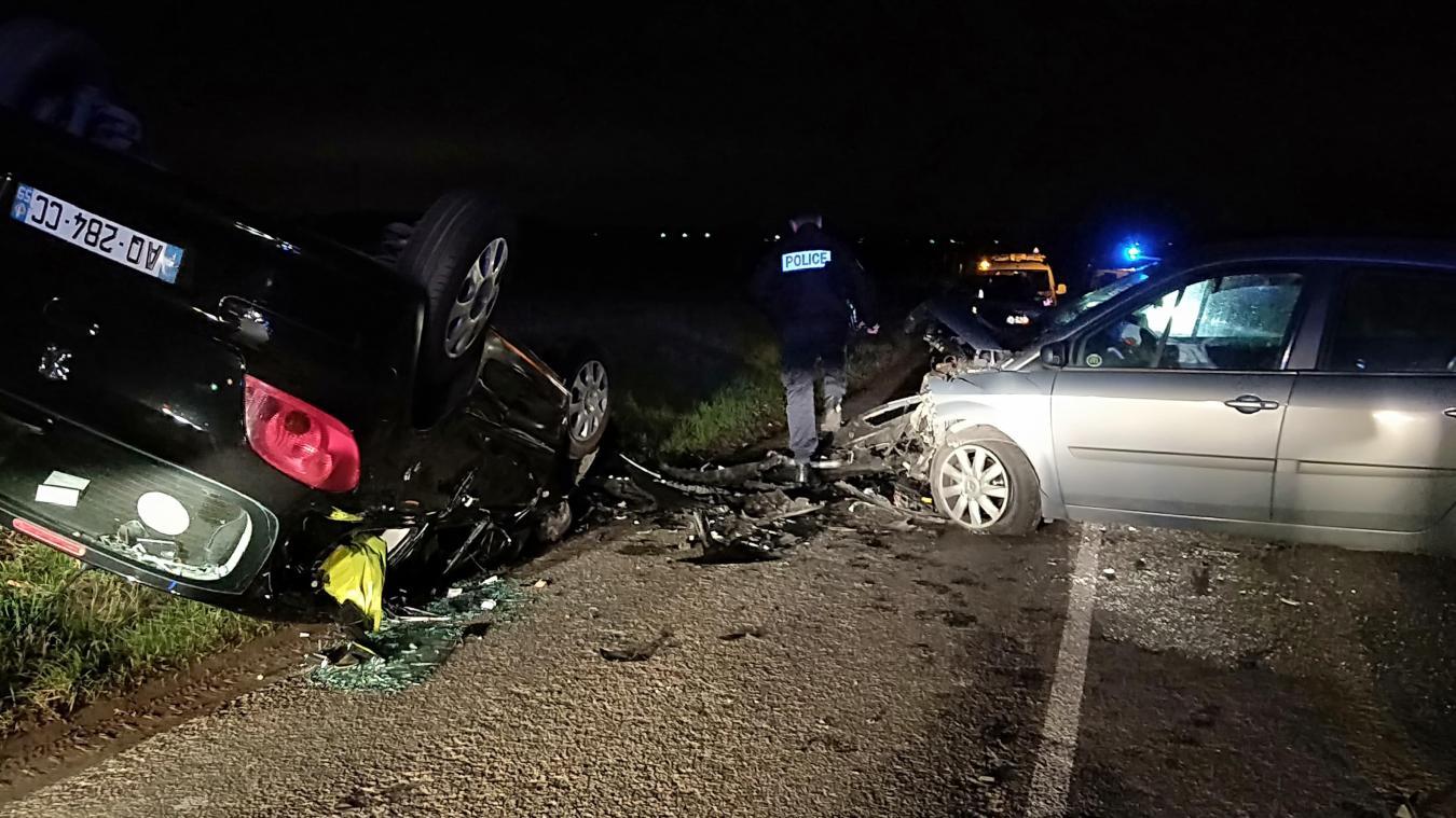 Drouvrin-le-Marais : une voiture sur le toit après un impressionant accident
